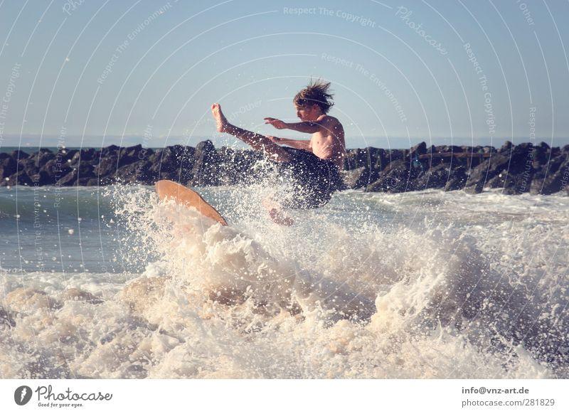 Slider Mensch Jugendliche Ferien & Urlaub & Reisen Sommer Sonne Meer Freude Strand Sport Junger Mann Wellen Kraft Freizeit & Hobby maskulin Aktion nass