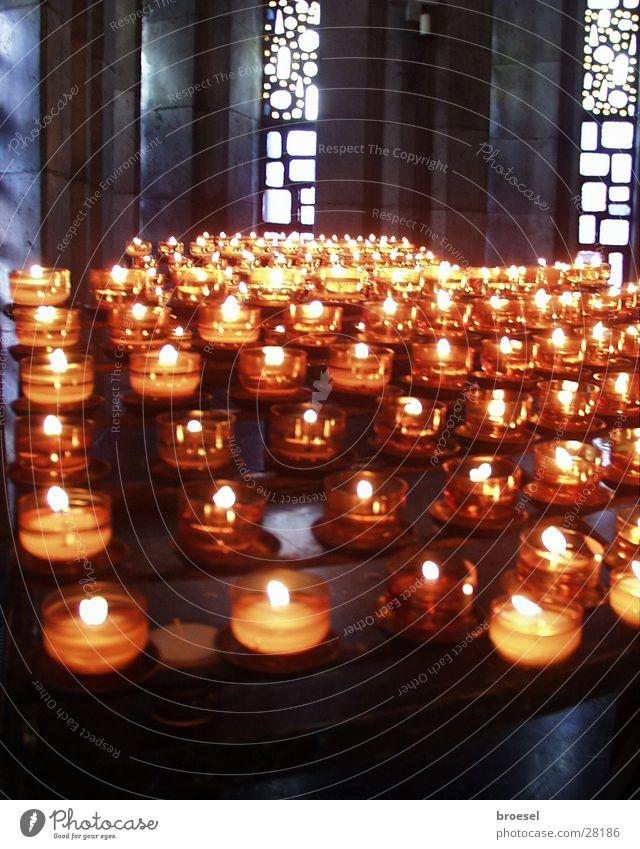 Kerzen in Kirche Religion & Glaube Wunsch Dinge Gebet danke schön Maria