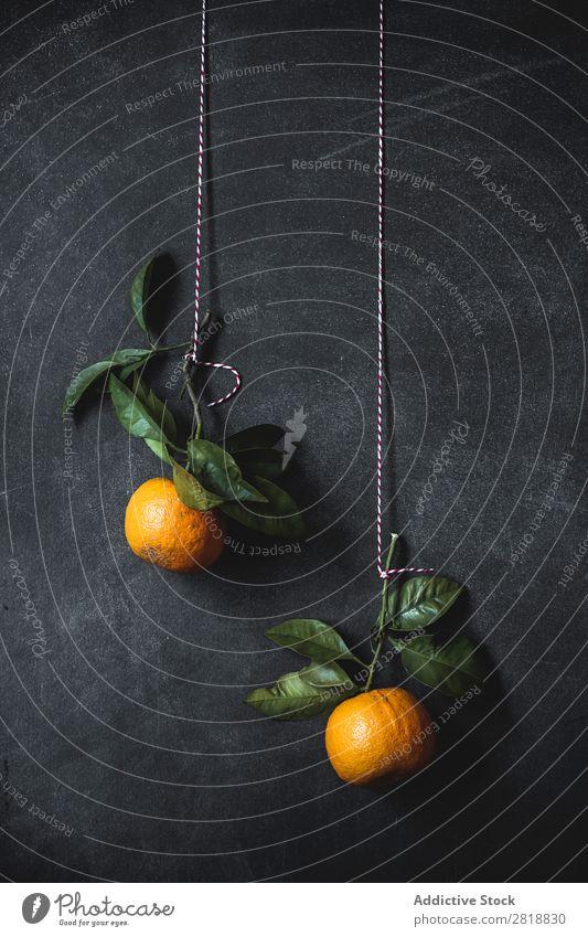 Orangen auf dunklem Hintergrund trinken Hintergrundbild Getränk Gesundheit Frühstück Zitrusfrüchte Gewürznelke Entzug Diät Lebensmittel frisch Frucht grün Saft