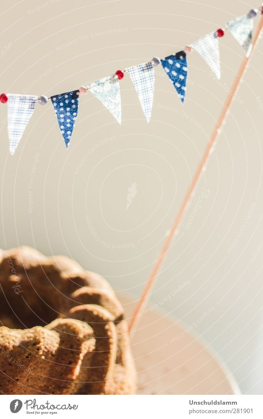 Googlehupf blau weiß rot Freude grau Essen hell Feste & Feiern Zusammensein Kindheit Geburtstag Fröhlichkeit Lifestyle Häusliches Leben Ernährung