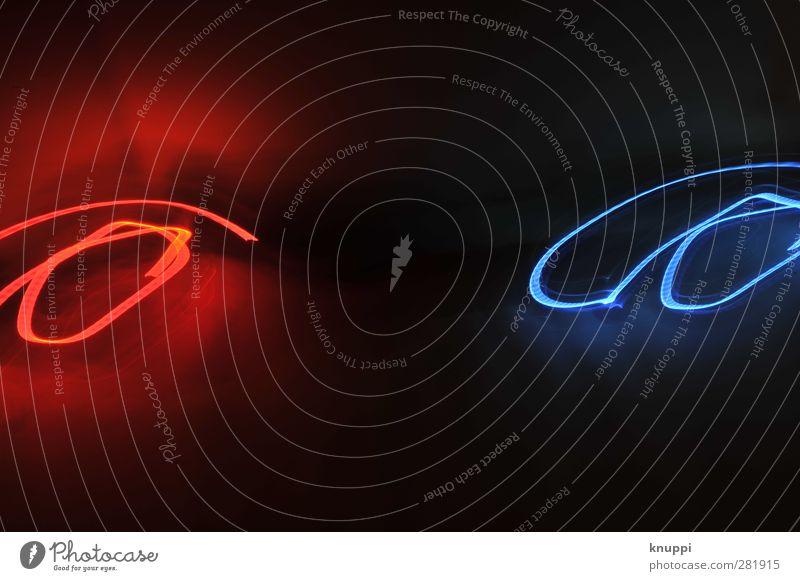 light-painting Linie Streifen Bewegung leuchten Blick blau rot schwarz Langzeitbelichtung Lampe Lampenlicht Glühbirne Nacht dunkel Nachtleben Geschwindigkeit