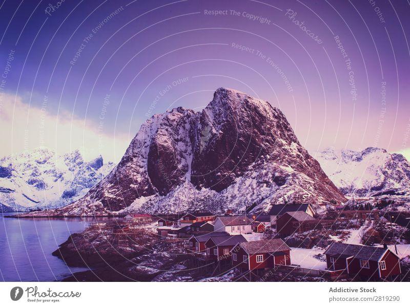 Eva Ozkoidi_Wunderbarer Hamnoy im Morgengrauen Fjord See lofoten Eis Norwegen artic Straße Weg Küste Felsen Meer Ferien & Urlaub & Reisen fantastisch idyllisch