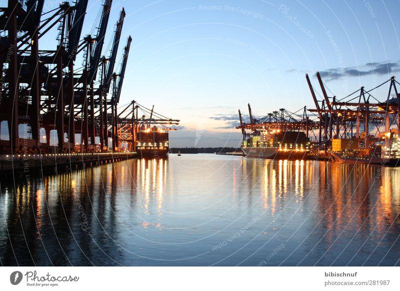 Burchardkai am Abend Himmel Wasser Stadt Wolken Landschaft Gefühle Architektur Hamburg Fluss Seeufer Bucht Flussufer Hafenstadt