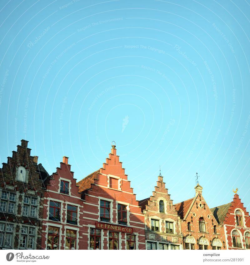 Brügge Ferien & Urlaub & Reisen Sightseeing träumen Belgien Stadt Altbau historisch Dachgiebel Marktplatz Mittelalter Haus Fassade Altstadt mehrfarbig