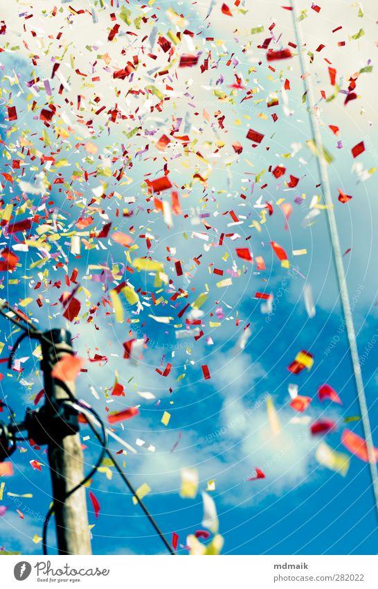 Konfetti Himmel Sommer Sonne Freude Wolken Landschaft Erholung Bewegung Party Feste & Feiern Musik Tanzen Schönes Wetter trinken Konzert Veranstaltung