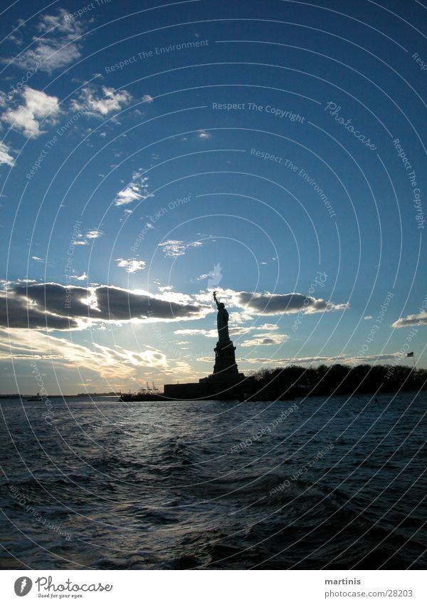 Freiheitsstatue New York City Sonnenuntergang