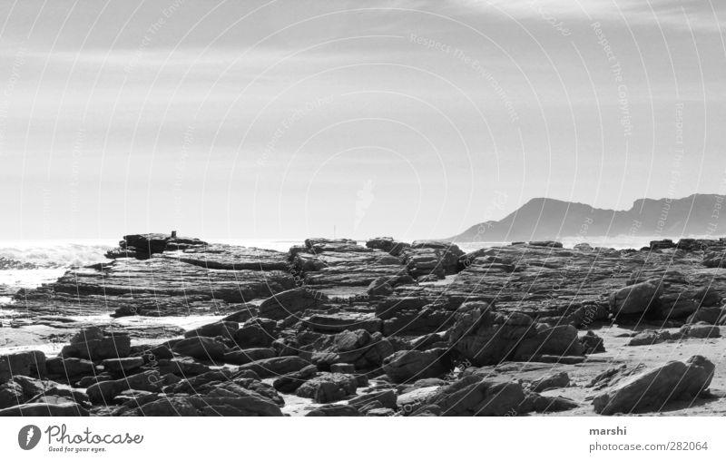wilde Küsten Natur Landschaft Luft Wasser Frühling Sommer Wellen grau Felsen Berge u. Gebirge Südafrika Reisefotografie Felsvorsprung Ferien & Urlaub & Reisen