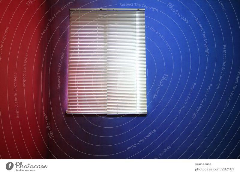rotblau Stadt Farbe Ferne Fenster dunkel kalt Wand Innenarchitektur Raum Wohnung geschlossen verrückt trist Ecke
