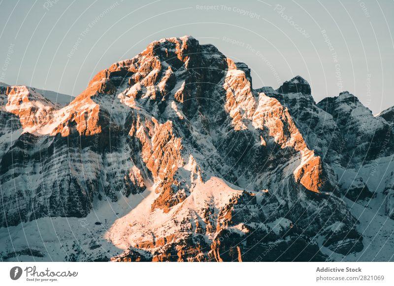 Malerische Aussicht auf die verschneiten Berge Berge u. Gebirge Reichweite Schnee Panorama (Bildformat) Landschaft Wolkendecke Tourismus Winter natürlich