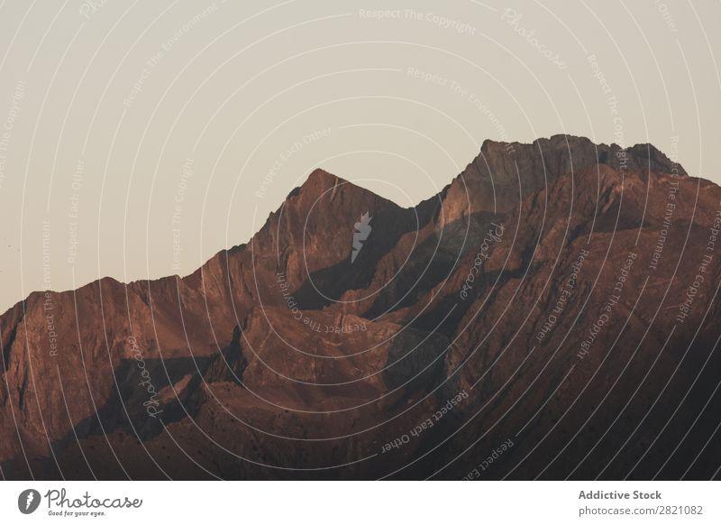 Hügel bei bewölktem Himmel Berge u. Gebirge Aussicht Natur Landschaft Ferien & Urlaub & Reisen schön Felsen Park Tal Gipfel Wolken Tourismus wandern Klippe