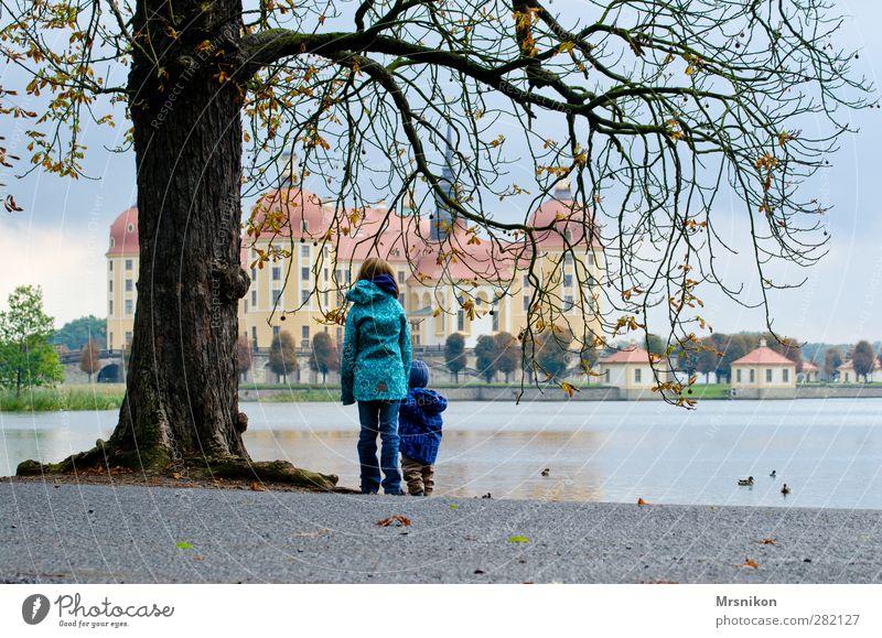 Moritzburg Ferien & Urlaub & Reisen Tourismus Ausflug Sightseeing Kleinkind Geschwister 2 Mensch 1-3 Jahre 8-13 Jahre Kind Kindheit Museum Architektur Wolken