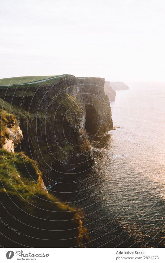 Wunderschöne Klippe am Meer Aussicht Landschaft Wasser Küste Ferien & Urlaub & Reisen