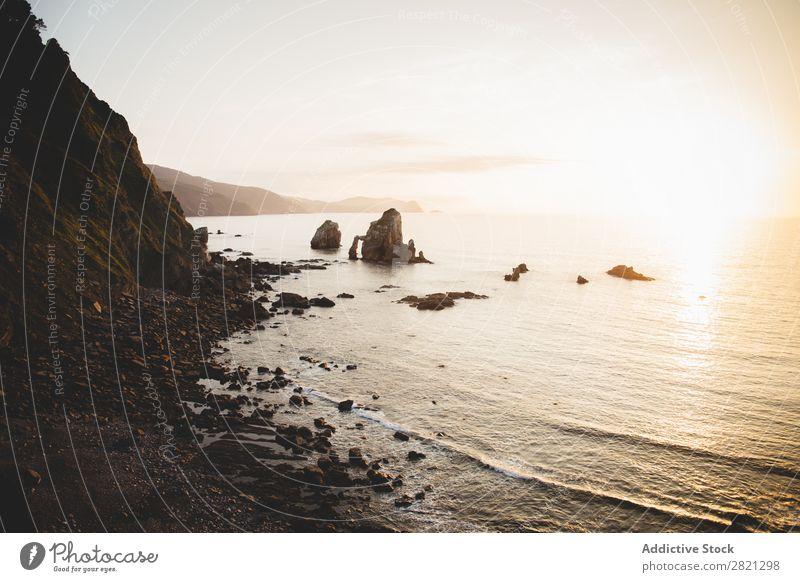 Schöne Aussicht auf die felsige Küste Landschaft Felsen Umwelt Panorama (Bildformat) Meer Ferien & Urlaub & Reisen Meereslandschaft Tourismus Seeküste Idylle