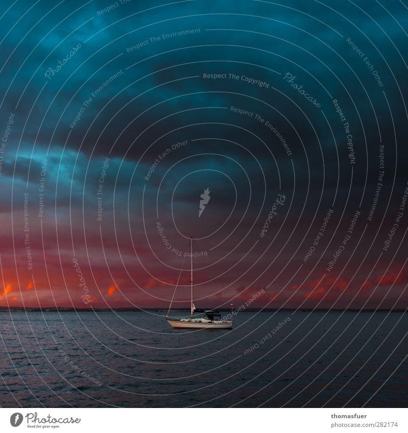 unter großem Himmel Freiheit Meer Segeln Urelemente Feuer Luft Wasser Wolken Nachthimmel Horizont Sonnenaufgang Sonnenuntergang Sommer Schönes Wetter Sturm