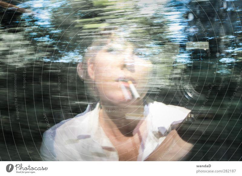 _________________ Mensch Natur Jugendliche blau grün weiß schön Sommer schwarz Erwachsene Gesicht feminin Junge Frau Denken ästhetisch Romantik