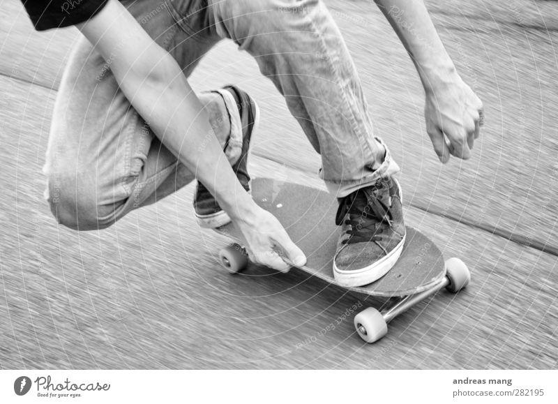 Asphalt Cruiser Stil Freude sportlich Skateboarding Sport Straße fahren Coolness elegant frei Unendlichkeit trendy rebellisch Geschwindigkeit Stadt Mut Übermut