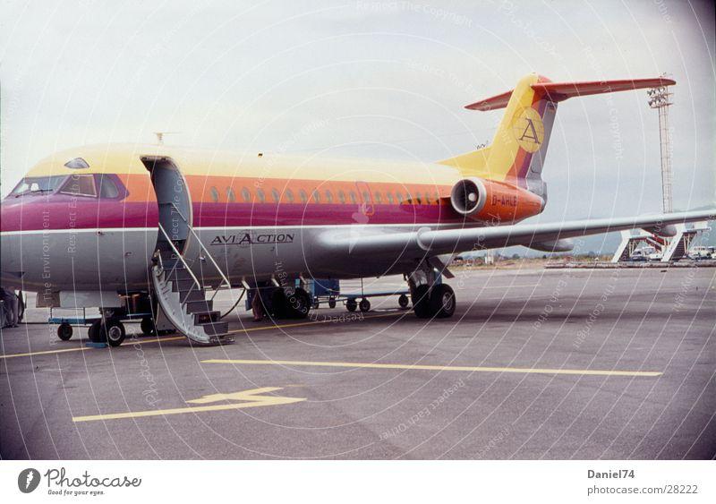 Aeroport Flugzeug Nostalgie Siebziger Jahre Gangway Rollfeld Luftverkehr Flughafen