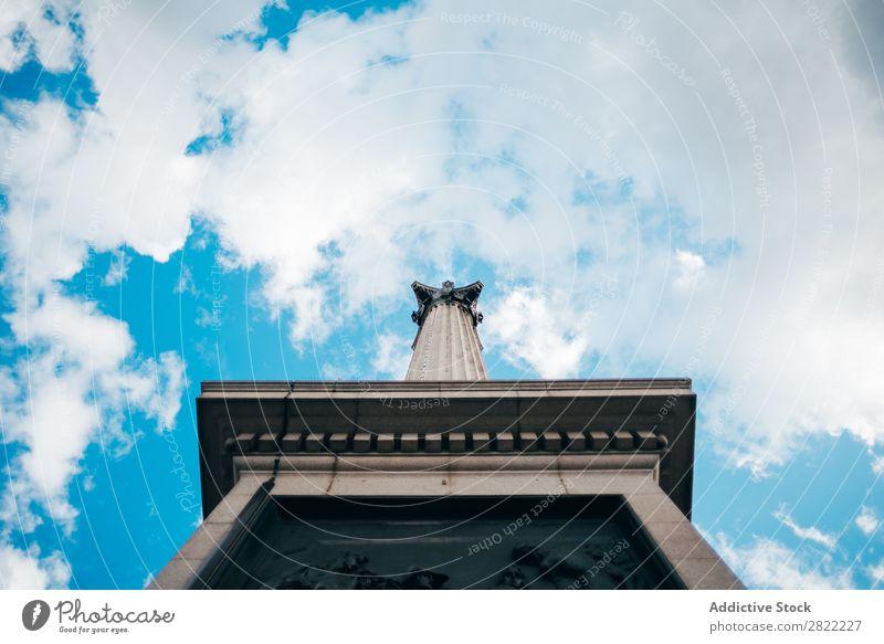 Säulenmonument mit Gravur Denkmal London Metall alt England Ferien & Urlaub & Reisen Ständer Sightseeing Architektur Großstadt Vientiane Wolken Kultur Tourist