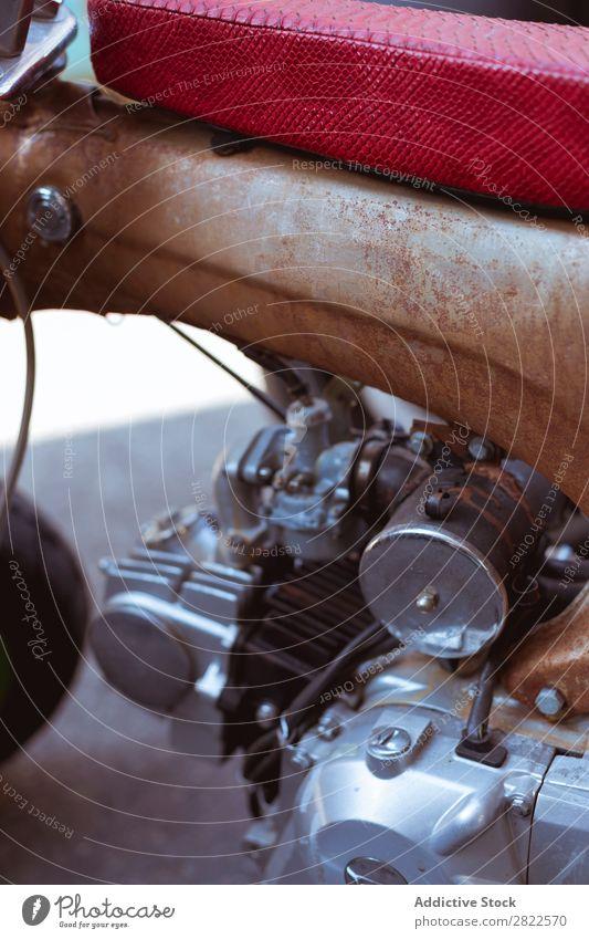 Nahaufnahme Motorradmotor Lokomotive Werkstatt Verkehr Fahrzeug Garage benutzerdefiniert Reparaturwerkstatt professionell Maschine Flugzeugwartung