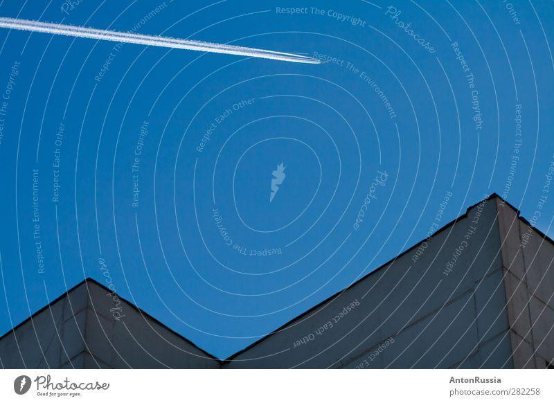Linien am Himmel Umwelt Natur nur Himmel Frühling Sommer Herbst Winter Wetter Schönes Wetter Stadt Haus Mauer Wand Luftverkehr Flugzeug Passagierflugzeug