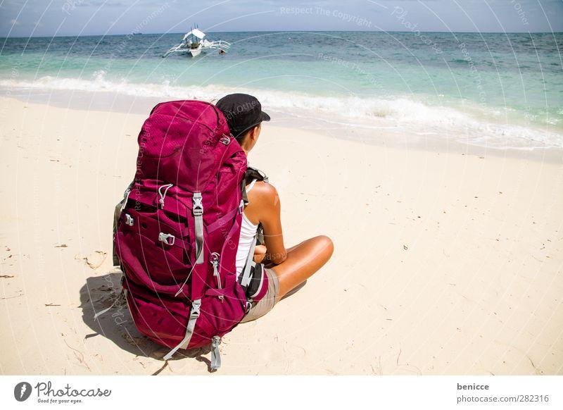 Backpacker Mensch Frau Jugendliche Ferien & Urlaub & Reisen Sommer Mädchen Strand Erholung Ferne Sand sitzen Abenteuer Asien Sandstrand Rucksack Gepäck