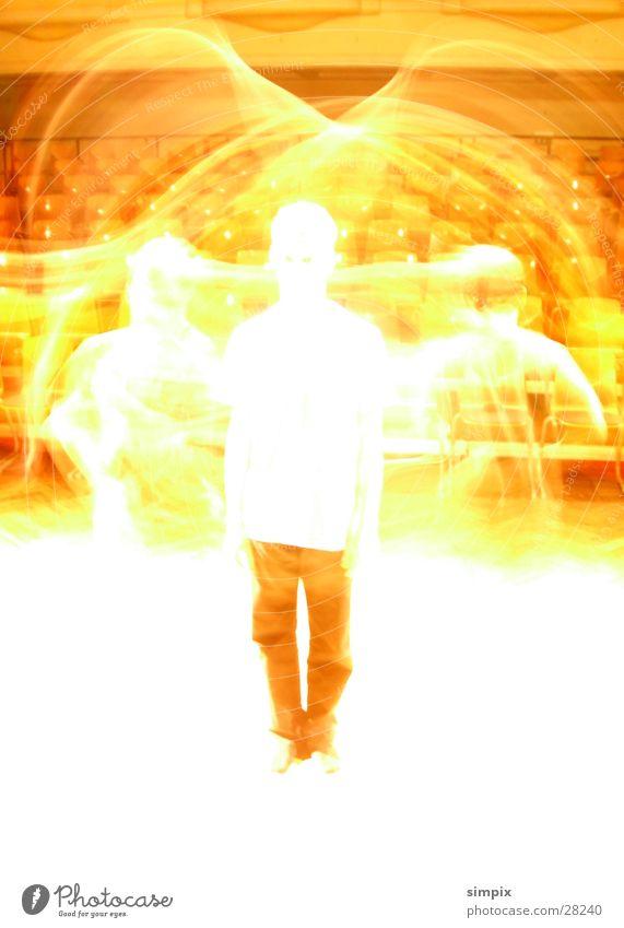 Kollege Langzeitbelichtung Überbelichtung Physik springen Mensch hell Wärme circle