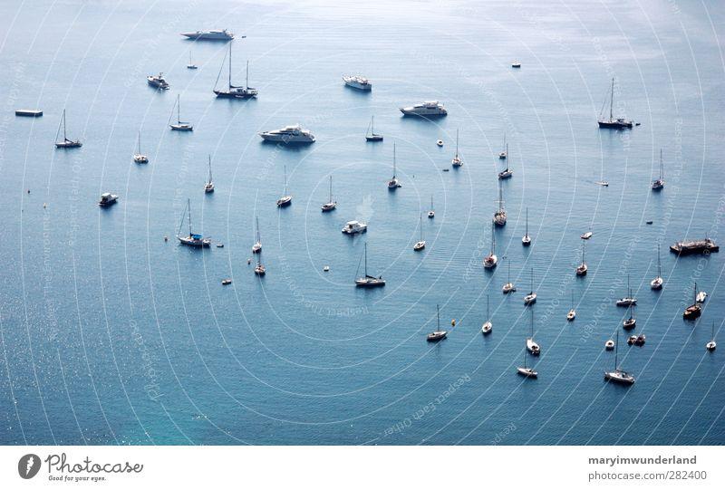 träum dich weg von hier. Natur blau Wasser Ferien & Urlaub & Reisen Sommer Meer Landschaft Ferne klein Wasserfahrzeug Schwimmen & Baden liegen Hafen