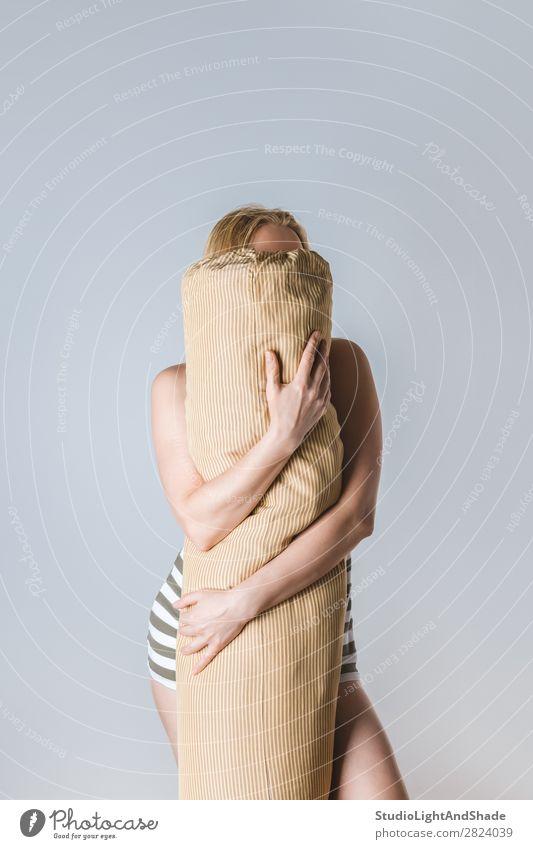 Frau Mensch Farbe schön Hand Erotik Erholung Gesicht Lifestyle Erwachsene natürlich feminin Körper modern blond Arme