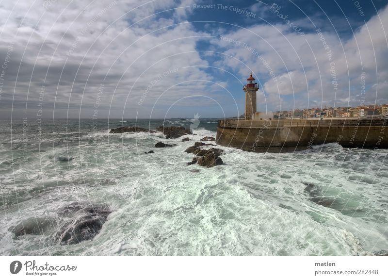 Wasser.welten Urelemente Luft Wassertropfen Himmel Wolken Klimawandel Schönes Wetter Wind Felsen Wellen Küste Nordsee Hafenstadt Menschenleer Mauer Wand