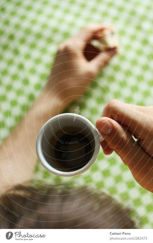 RestMokka Lebensmittel Frühstück Kaffeetrinken Getränk Heißgetränk Espresso Freizeit & Hobby maskulin 1 Mensch berühren heiß klein stark schwarz Muster
