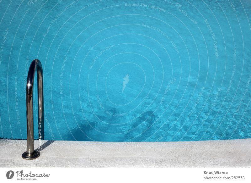 Swimming pool blau Ferien & Urlaub & Reisen Sommer Sport Schwimmen & Baden Tourismus Schwimmbad Sommerurlaub Treppengeländer Wassersport Sportstätten