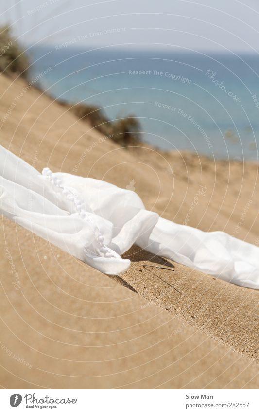 vom Winde... Ferien & Urlaub & Reisen weiß Strand Einsamkeit Liebe Wärme Sand See Stil Mode elegant Design ästhetisch Warmherzigkeit Idylle