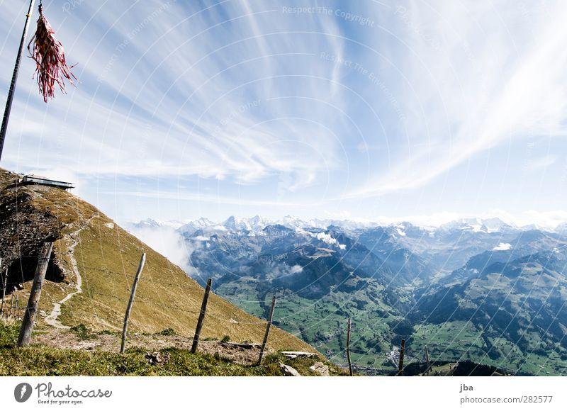 Berner Alpen Leben Tourismus Ausflug Freiheit Sommer Berge u. Gebirge wandern Natur Landschaft Urelemente Luft Wolken Herbst Schönes Wetter Wind Felsen