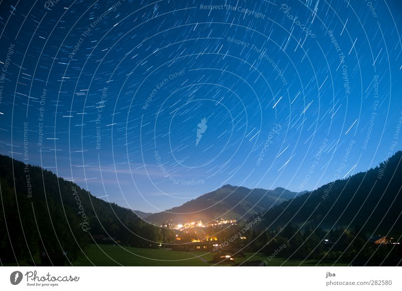 Blick nach Gstaad 2 Himmel Natur blau Landschaft Erholung Wald dunkel Berge u. Gebirge Bewegung Erde Luft warten Stern Schönes Wetter Urelemente beobachten