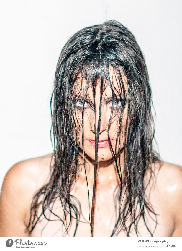 Nasshaar Mädchen Frau Jugendliche weiß schön Erwachsene Gesicht Junge Frau feminin Erotik Haare & Frisuren Denken 18-30 Jahre Körper natürlich Haut glänzend
