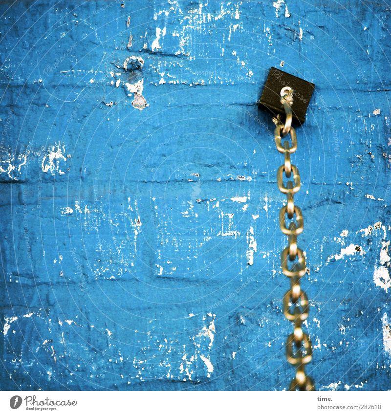 Accessoire Mauer Wand Kette Barriere Schraube Haken Stein Metall Kunststoff alt glänzend Stress Zufriedenheit kalt Konzentration Kraft Ordnung Sicherheit