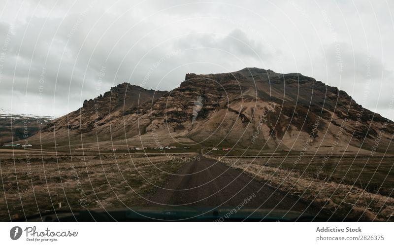 Berge durch Glas Straße Berge u. Gebirge Island Landschaft Autobahn Natur Ferien & Urlaub & Reisen Tourismus Norden Felsen natürlich Abenteuer Ausflugsziel