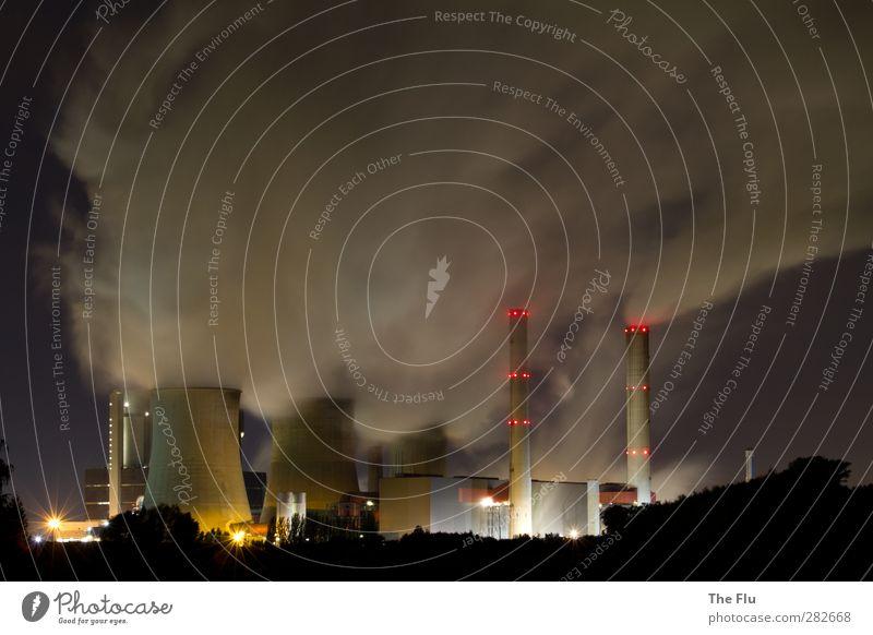 Up in smoke... rot Wolken schwarz Umwelt dunkel Architektur grau Arbeit & Erwerbstätigkeit außergewöhnlich Wachstum Energiewirtschaft Beton modern Zukunft Turm