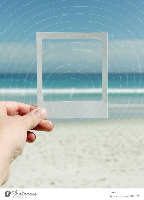 Urlaubsgrüße Himmel blau Wasser Ferien & Urlaub & Reisen Hand Sommer Meer Strand Landschaft Frühling Sand Reisefotografie Wetter Wellen Fotografie