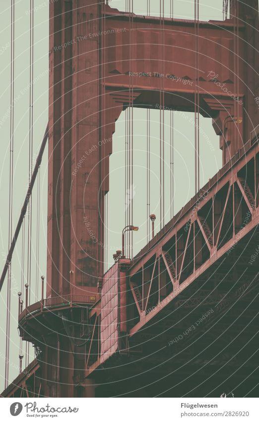 Golden Gate Bridge III USA Stars and Stripes Amerika Wolken Freiheit Ferien & Urlaub & Reisen Straße Aussicht Brücke San Francisco Sightseeing rot Stahl