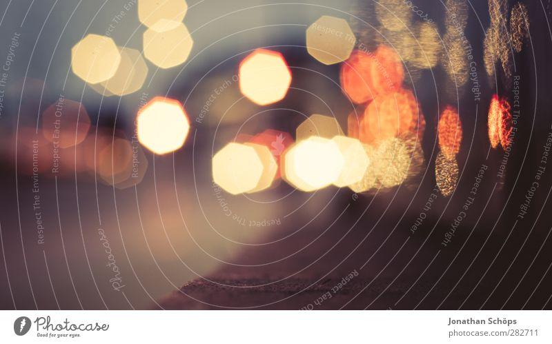 urbanes Bokeh III Nachtleben Schwache Tiefenschärfe Unschärfe Licht Lichterscheinung Lichtermeer Stadt mehrfarbig Hintergrundbild Beleuchtung abstrakt Stimmung