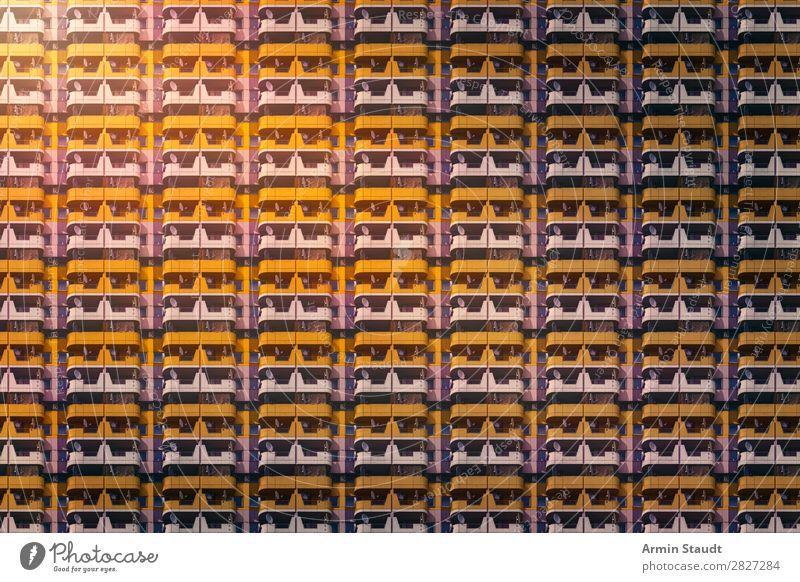 Viele Sozialwohnungn Lifestyle Stil Design Häusliches Leben Wohnung Fabrik Business Stadtzentrum Fassade Beton bedrohlich Unendlichkeit Stimmung Sehnsucht