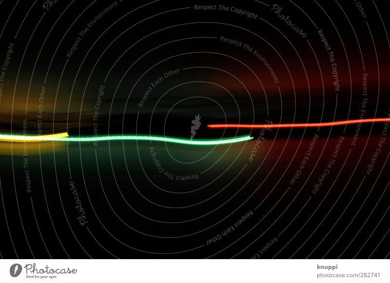 Lichtlinien Technik & Technologie gelb grün rot schwarz Lichterscheinung Linie mehrfarbig dunkel Geschwindigkeit Experiment lang schiefe Bahn horizontal Lampe