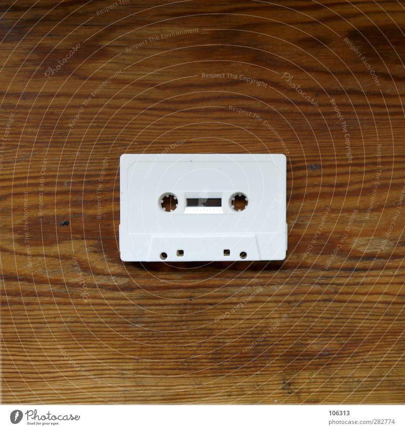 Früher war alles besser | B L E I S T I F T weiß Musik Technik & Technologie retro Kunststoff geheimnisvoll Medien Vergangenheit analog Radio Tonband Rest schick Musikkassette Bleistift Format