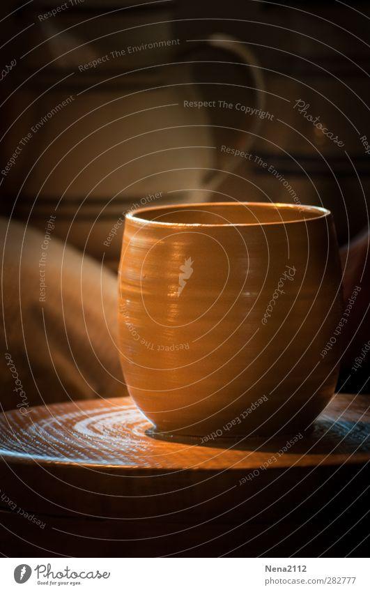Früher war alles besser | Handfertigung Wärme braun Erde Tasse drehen Handwerk früher Handarbeit Töpferscheibe Töpferei Töpferwaren Drehscheibe Töpfern Tontopf