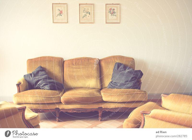 früher war alles besser! | zumindest schön ! Reichtum Stil Design Häusliches Leben Innenarchitektur Dekoration & Verzierung Möbel Sofa Sessel Wohnzimmer Kissen