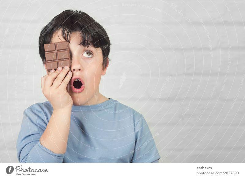 Kind Mensch Freude Essen Lifestyle lustig Gefühle Ernährung maskulin Lächeln Kindheit Fröhlichkeit genießen lecker Neugier festhalten