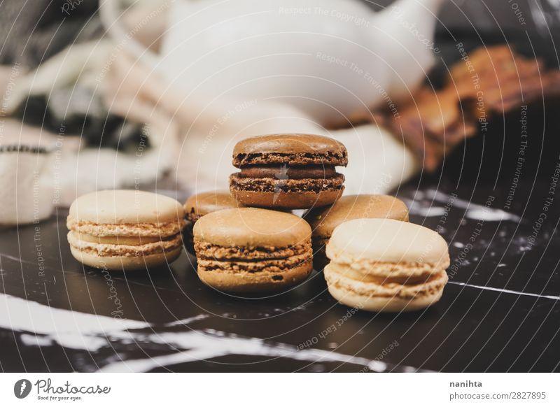 Schokoladen-, Kaffee- und Vanilamakronen Lebensmittel Kuchen Dessert Süßwaren Ernährung Frühstück Kaffeetrinken Tee elegant Stil authentisch frisch lecker süß