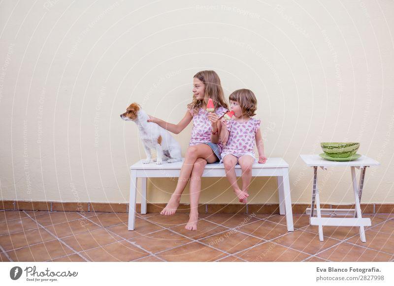 Zwei schöne Schwester Kinder essen Wassermelonen-Eiscreme. Frucht Speiseeis Essen Freude Glück Ferien & Urlaub & Reisen Sommer Haus Garten feminin Baby
