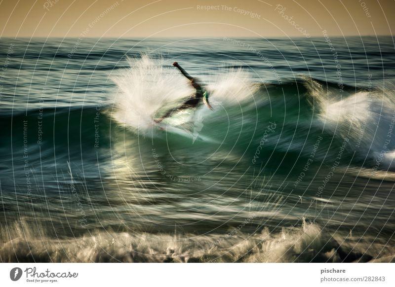 Hack Freizeit & Hobby Sport Wassersport Urelemente Sommer Wellen Meer sportlich außergewöhnlich Coolness Leidenschaft Surfen Farbfoto Außenaufnahme Dämmerung